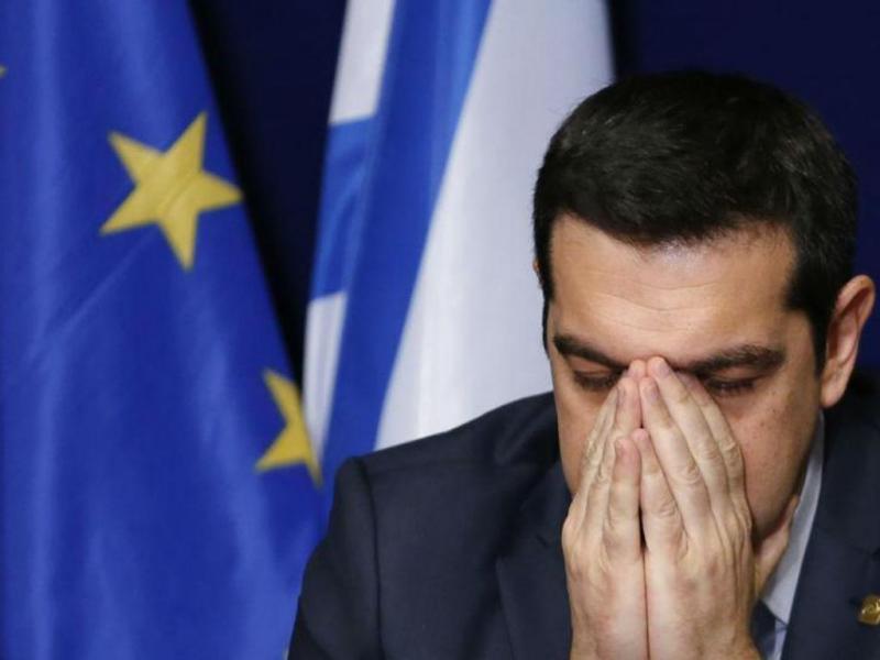 Alexis Tsipras no fim do Conselho Europeu. Grécia e Eurogrupo vão iniciar trabalhar técnico antes do acordo. [REUTERS/Francois Lenoir]
