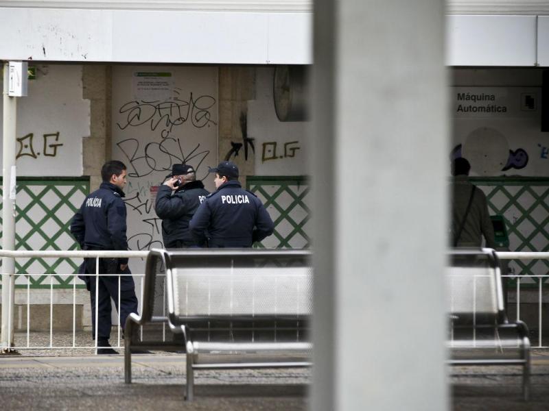 Dois polícias colhidos mortalmente por comboio [Foto: Lusa]