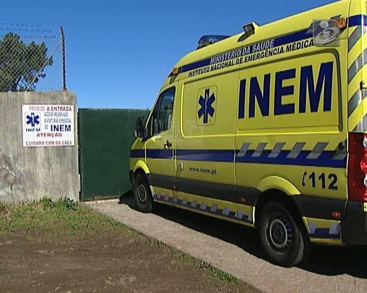 Ambulância do INEM fez desvio de 8 km para trocar de enfermeira