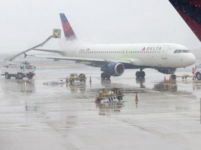 Avião sai da pista em Nova Iorque [Reuters]
