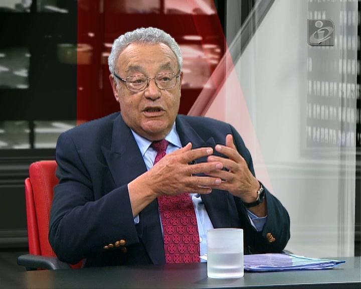 João Cravinho descarta «demissão inopinada» de Passos Coelho