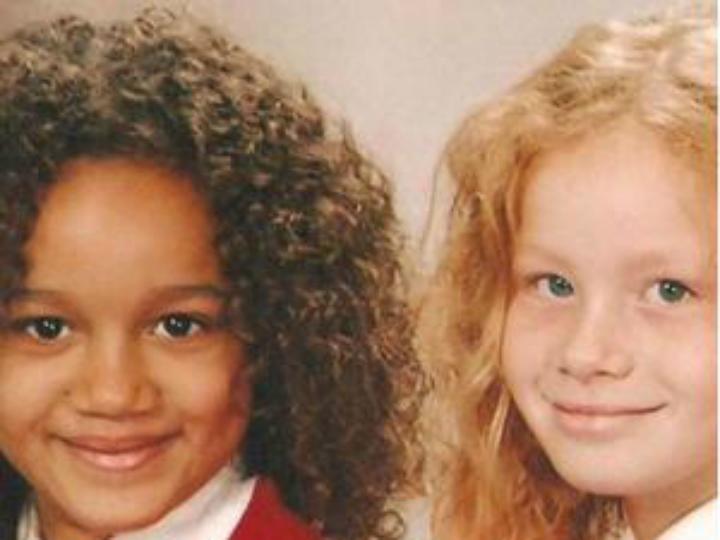 Maria e Lucy em crianças (Twitter)