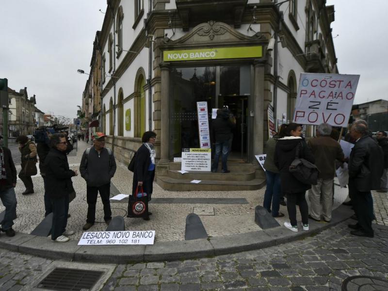 Lesados do BES invadem bancos em Viseu [Lusa]