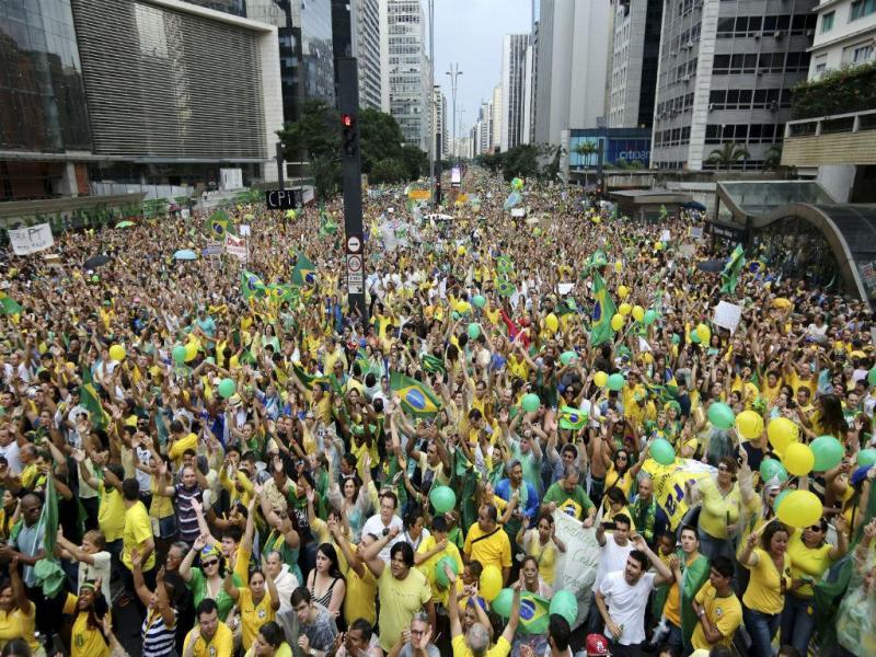 Protestos no Brasil [Reuters]
