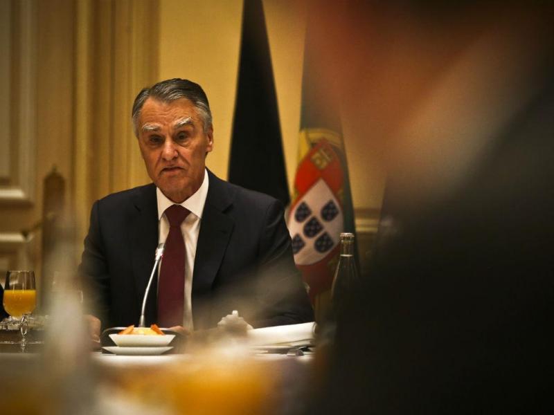 Aníbal Cavaco Silva intervém durante um pequeno almoço de trabalho com empresários e investidores franceses em Paris (Lusa/Mário Cruz)