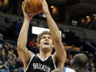 Minnesota-Brooklin Nets (Bruce Kluckhohn-USA)