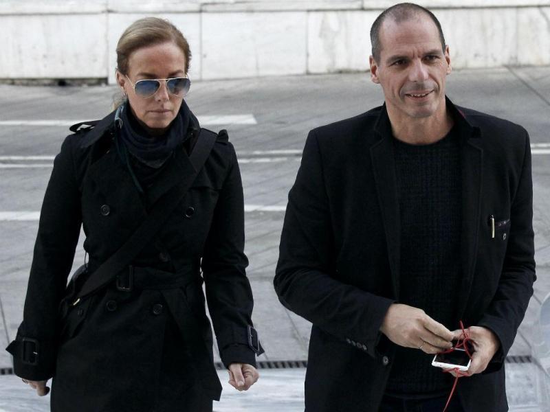 Mulher de Varoufakis vem a Portugal (REUTERS)