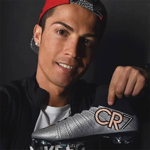 Cristiano Ronaldo estreia novas botas  62967c3d24c04