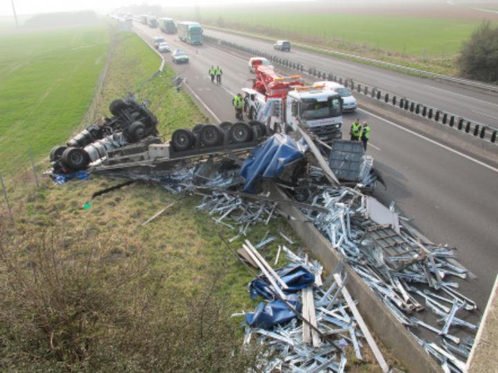 Portuguesa morre em acidente em França (LA VOIX DU NORD)