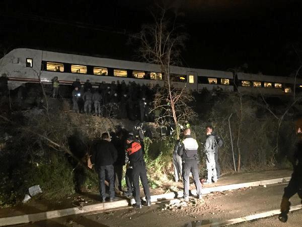 Comboio descarrila em Espanha sem provocar feridos [Twitter]