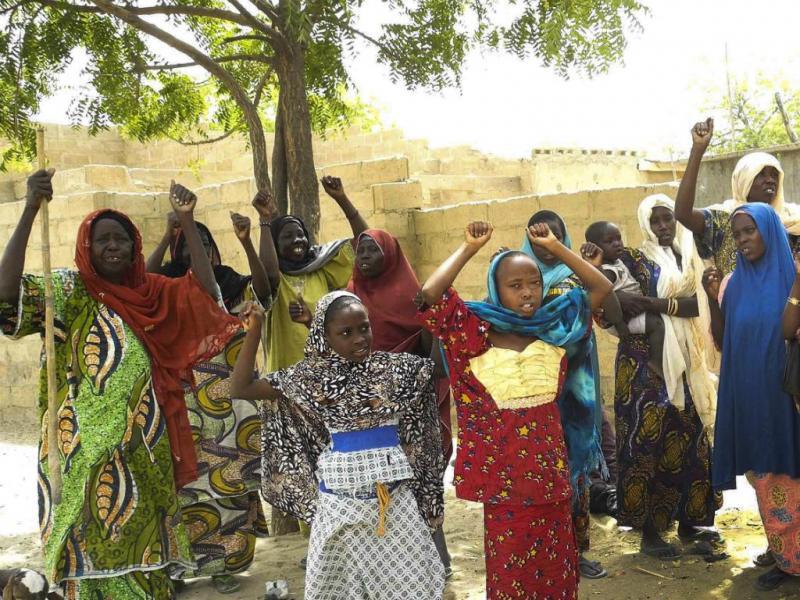 Habitantes de Damasak celebram vitória sobre o Boko Haram (Lusa/EPA)