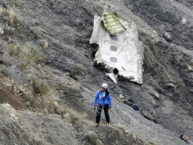 Destroços do A320 da Germanwings [Foto: EPA]