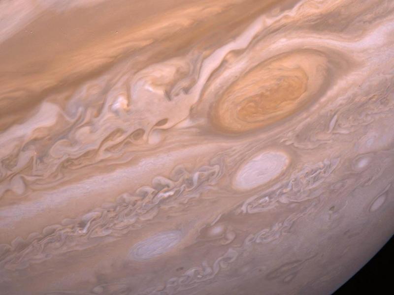 As violentas tempestades de Júpiter (NASA/JPL)