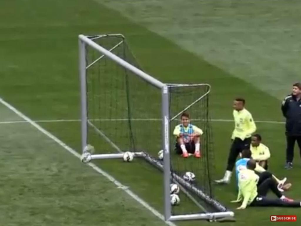 Neymar no treino do Brasil