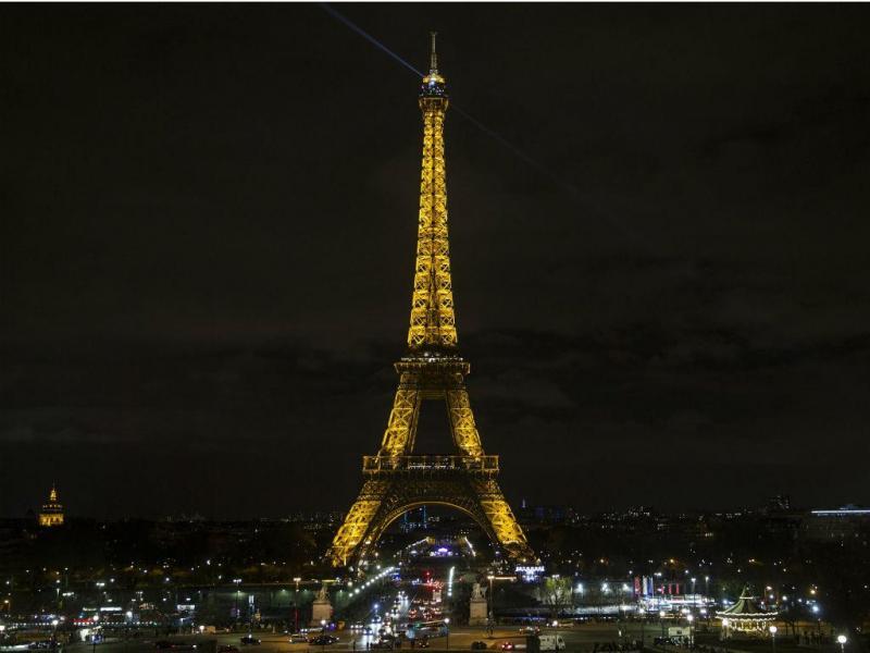 Hora do Planeta - Torre Eiffel (EPA/LUSA)