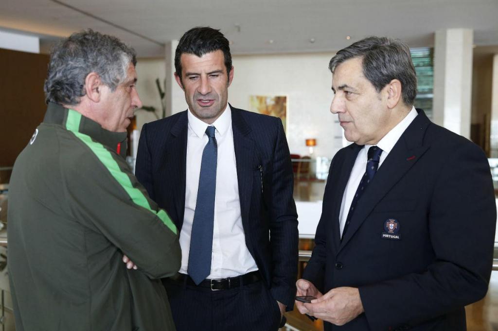 Fernando Santos, Figo e Fernando Gomes (foto FPF)