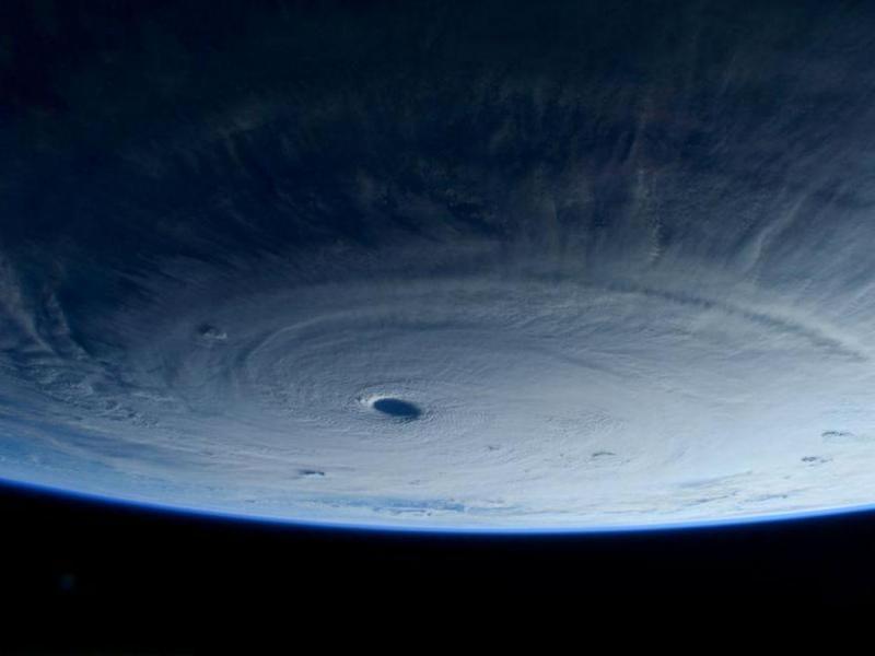 Imagens do tufão Maysak (Twitter)