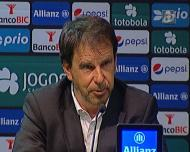Manuel Machado queixa-se de irregularidades no golo do Sporting