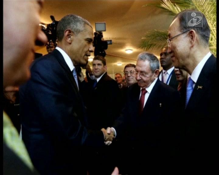 O aperto de mão entre Obama e Castro