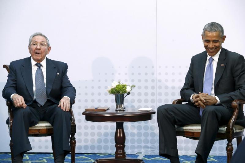 Reunião histórica entre Obama e Castro no Panamá (REUTERS)