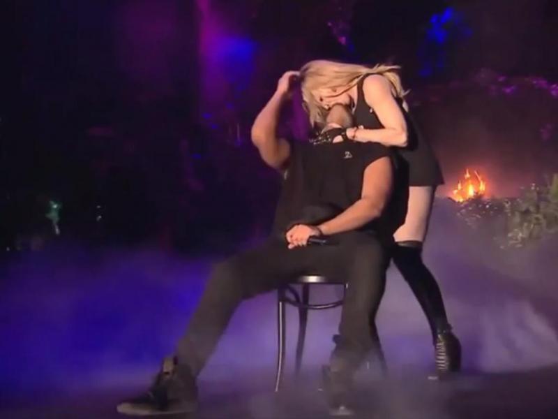 Madonna beija Drake no Coachella 2015