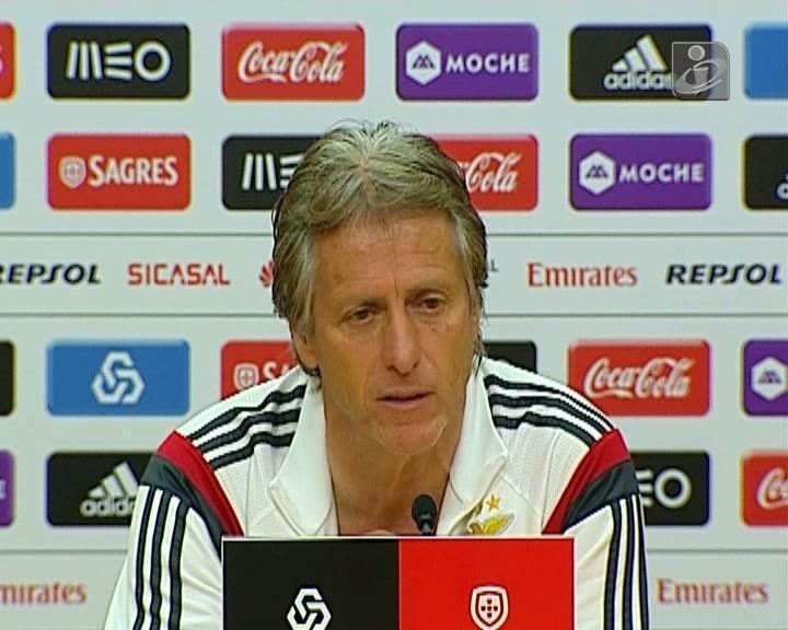 «No Benfica, na China ou no Uruguai, quero é treinar»