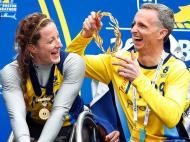 Lelisa Desisa e Caroline Rotich ganham a Maratona de Boston (REUTERS)