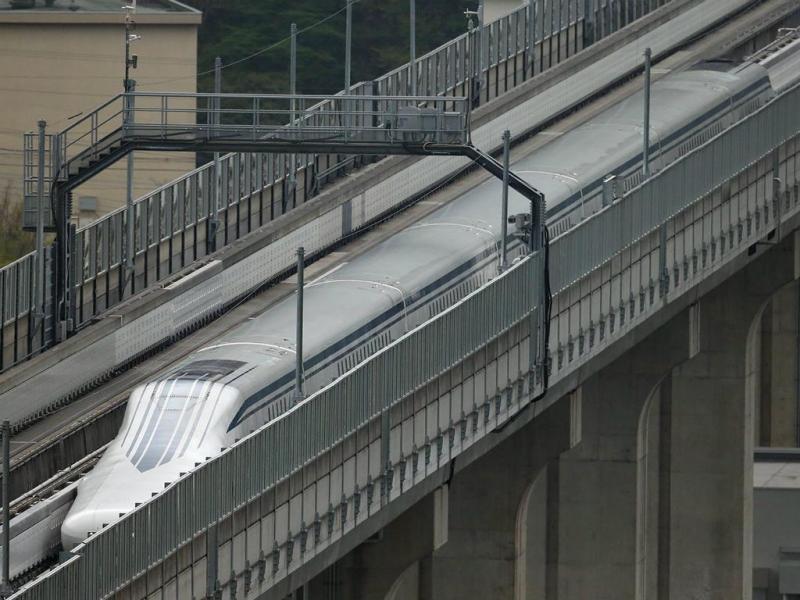 Comboio de levitação magnética atinge 600 quilómetros por hora (LUSA)