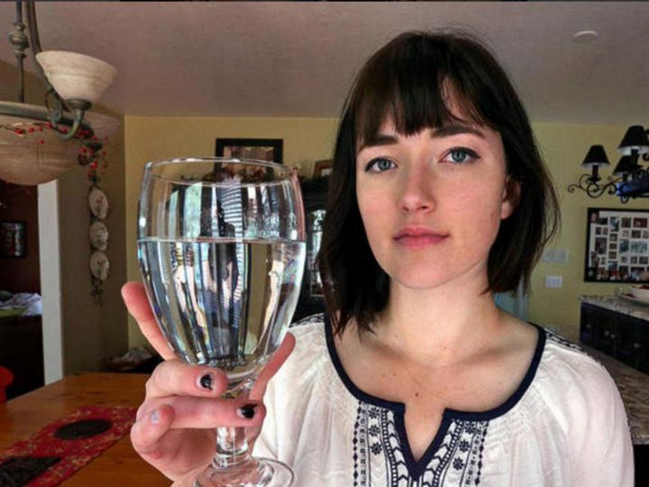 Esta jovem é alérgica à água [Twitter]