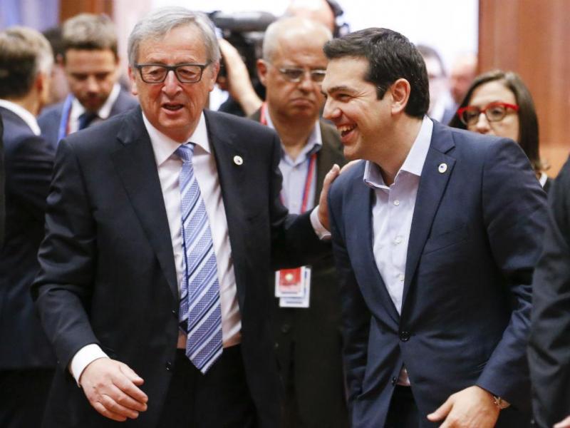 Jean-Claude Juncker e Alexis Tsipras [Lusa/EPA]