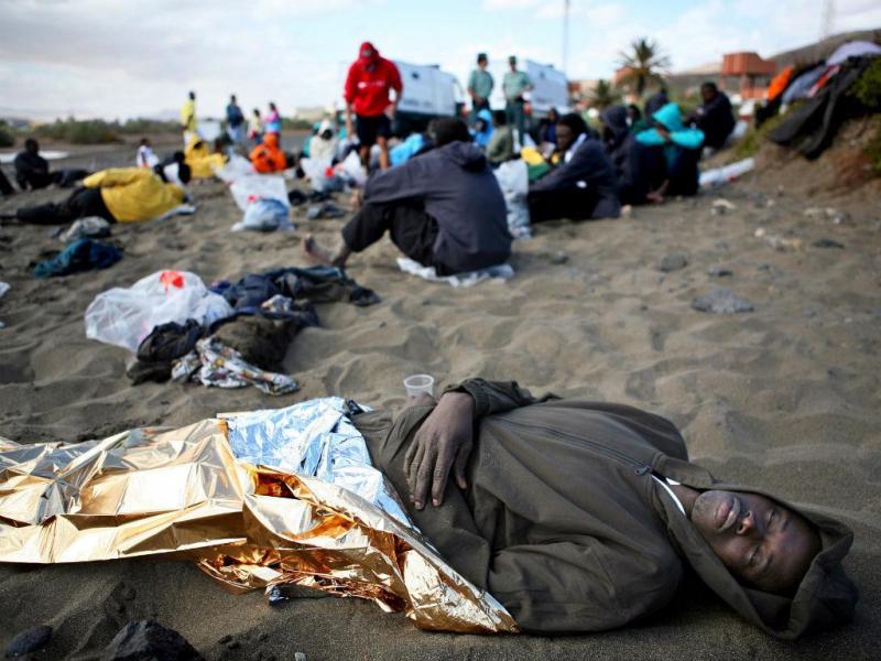 Chegada de migrantes africanos à Europa (fotos Juan Medina/Reuters)