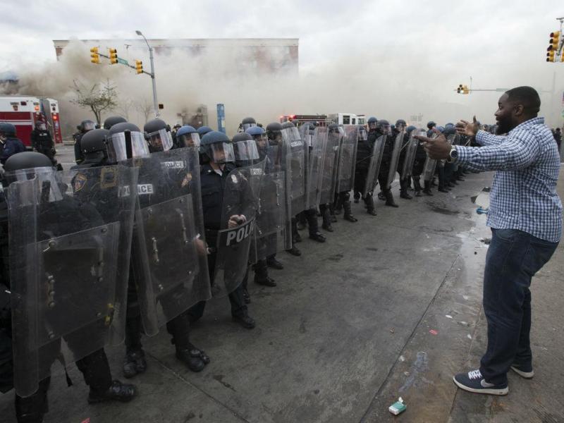 EUA: violência regressa às ruas após morte de mais um jovem (LUSA)