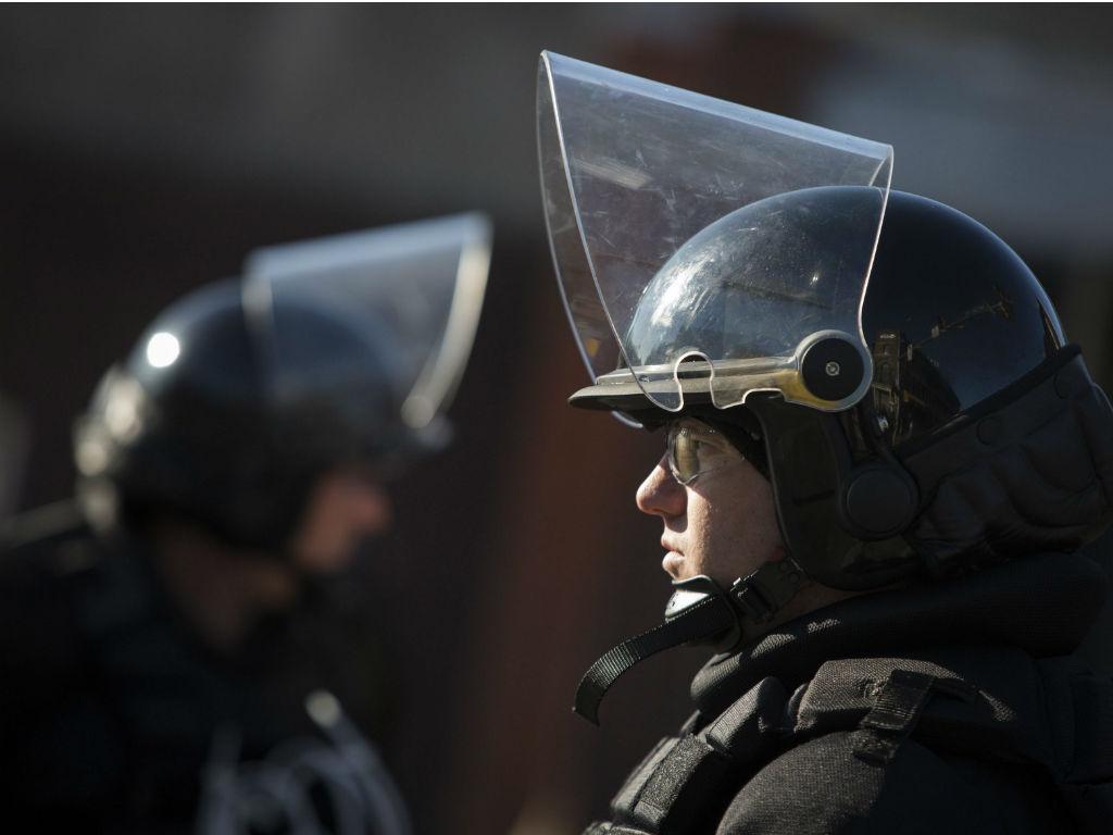 EUA: violência regressa às ruas após a morte de mais um jovem (LUSA/EPA)