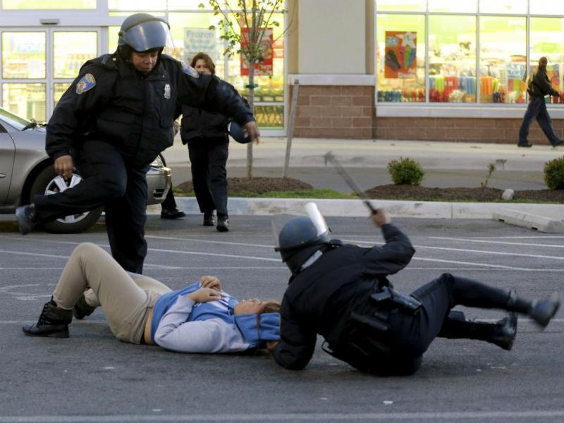 EUA: violência regressa às ruas após a morte de mais um jovem (Reuters)