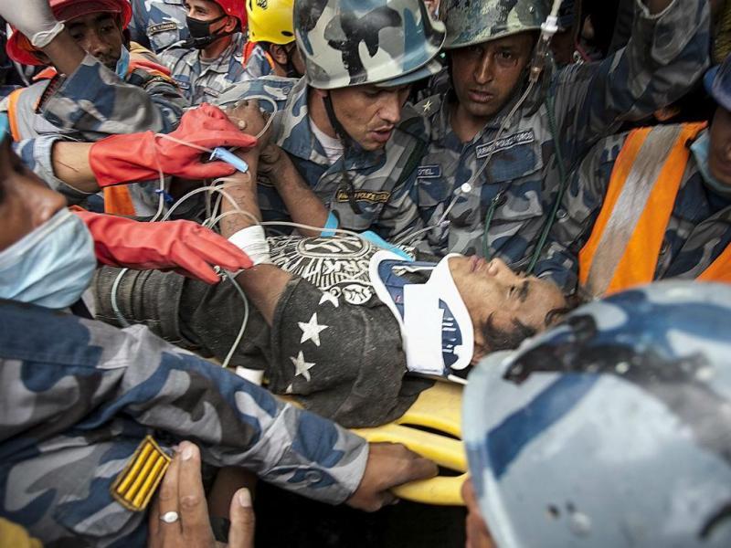 Nepal: jovem de 15 anos resgatado com vida ao fim de cinco dias (EPA/HEMANTA SHRESTHA)