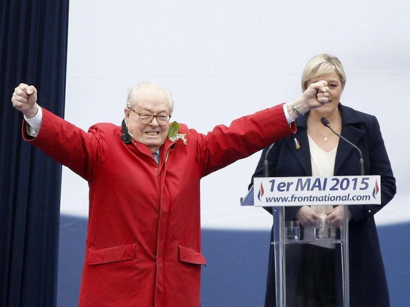 Comício da Frente Nacional  em Paris (Lusa/EPA)