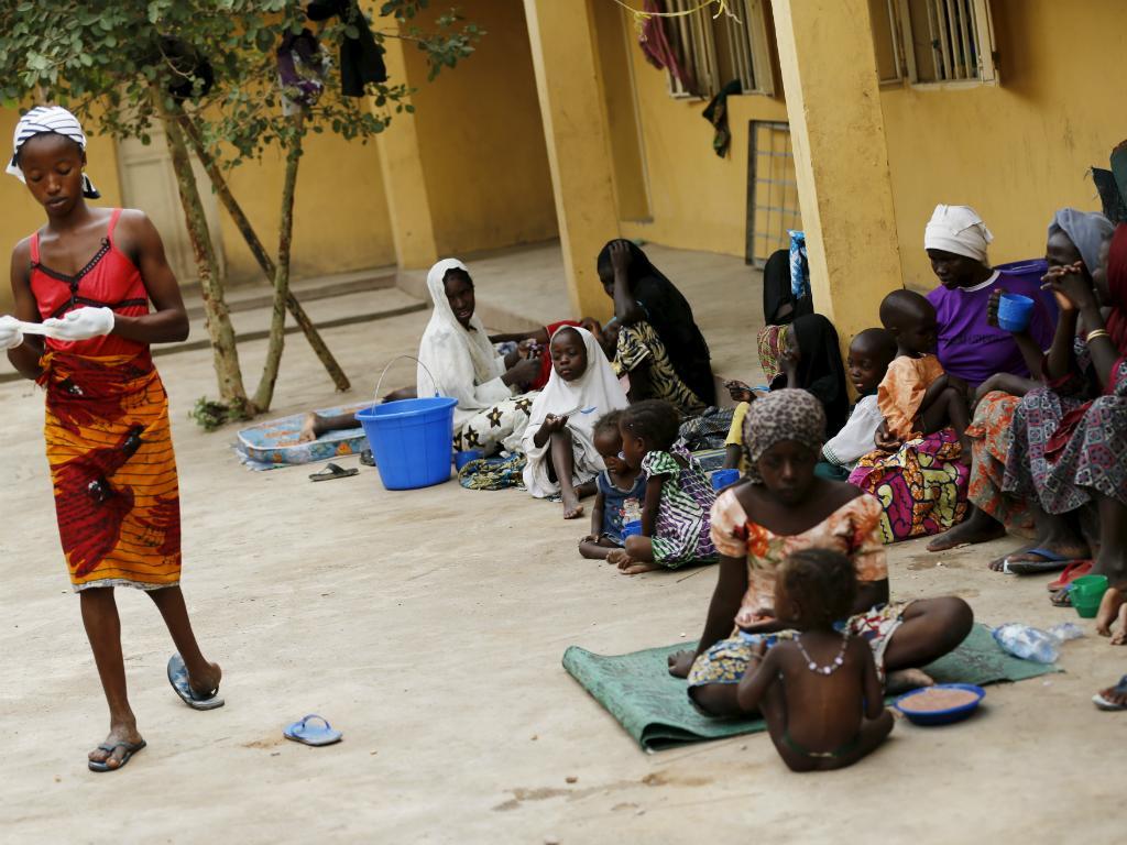 Mulheres e crianças resgatadas ao Boko Haram (Reuters)