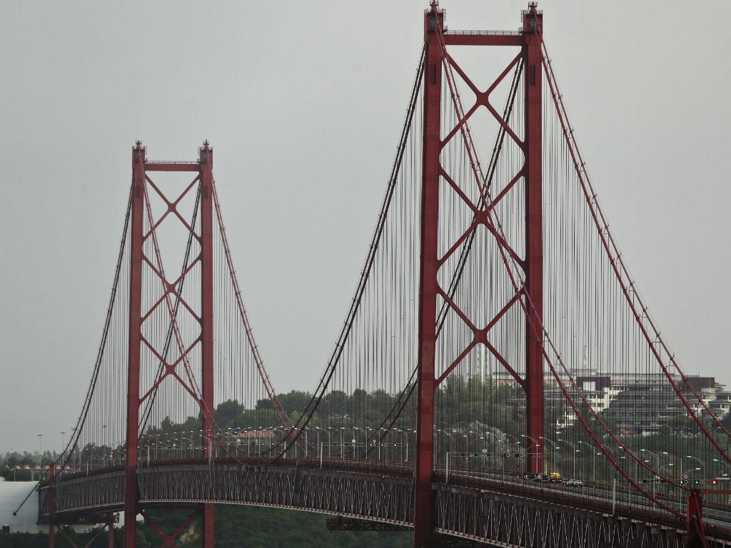 Ameaça de bomba na ponte 25 de Abril [Foto: Lusa]