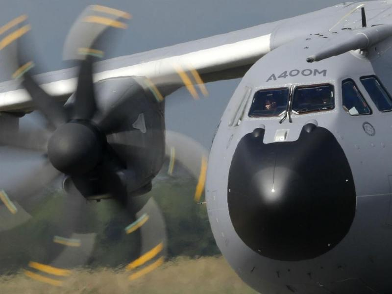 Airbus A400M despenha-se em Sevilha [Reuters]