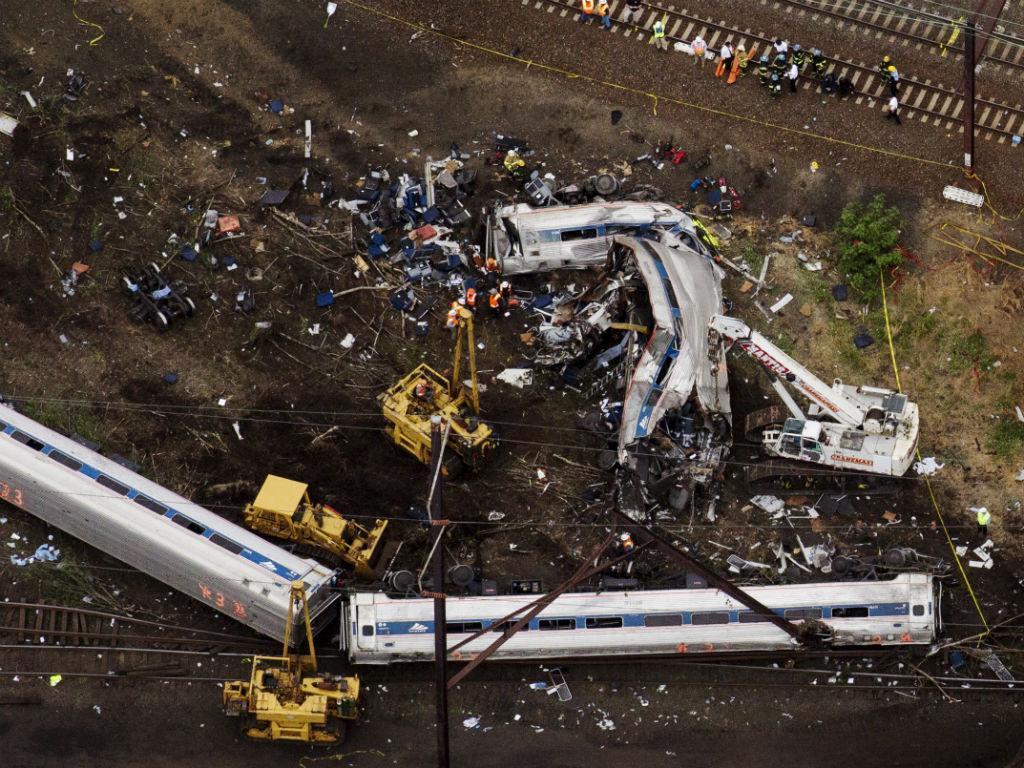 Acidente de comboio em Filadélfia (REUTERS)