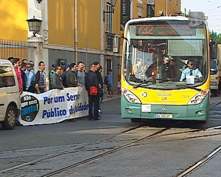 Greve Carris: circularam 35% dos autocarros até às 12:00