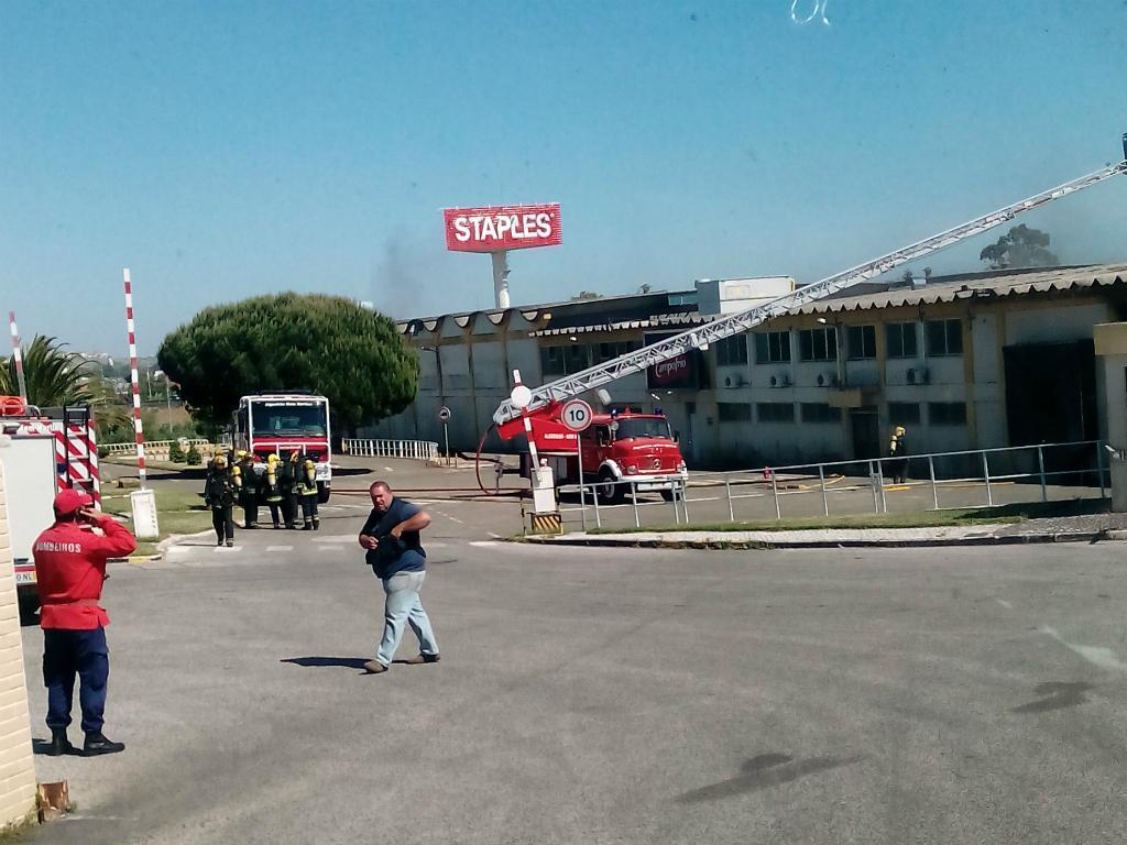 Incêndio em Sintra (Foto: euvi@tvi.pt)