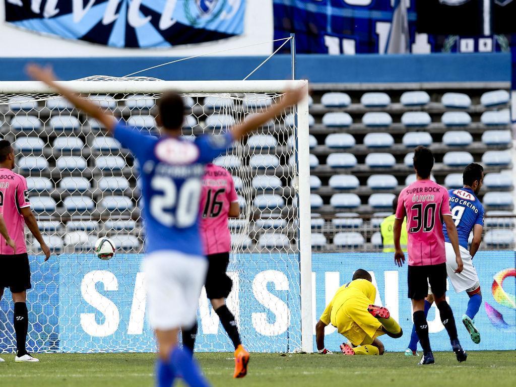 Golo de Tiago Caeiro do Belenenses ao FC Porto