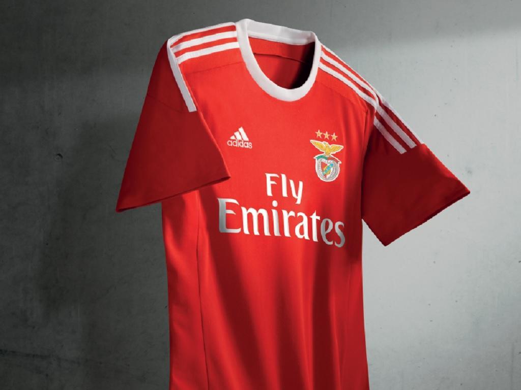 Benfica  revelada camisola para 2015 16  417b6d1e5adb7