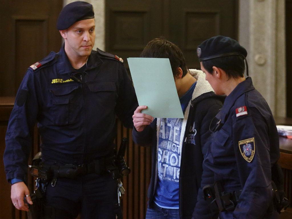 Rapaz de 14 anos condenado por planear ataque terrorista em Viena [Foto: Reuters]