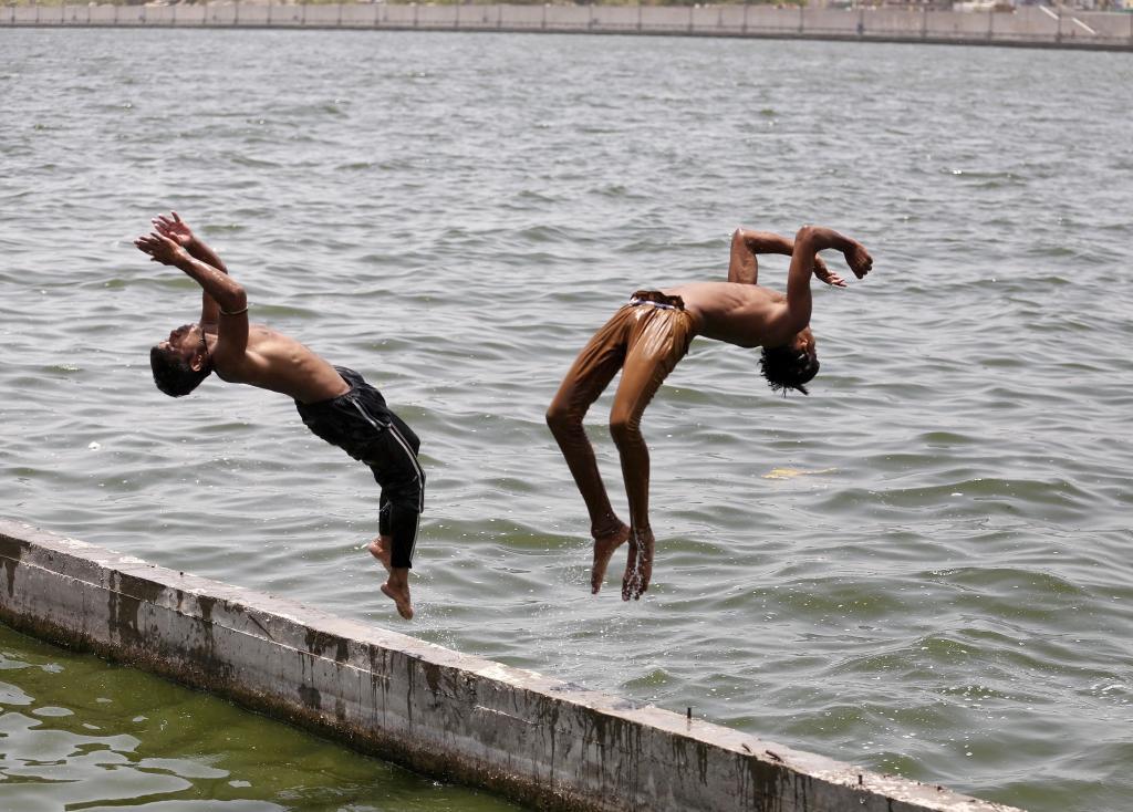 Calor extremo na Índia mata 400 pessoas num só dia (REUTERS/Amit Dave)