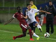 Qatar-Portugal: João Vigário luta pela bola