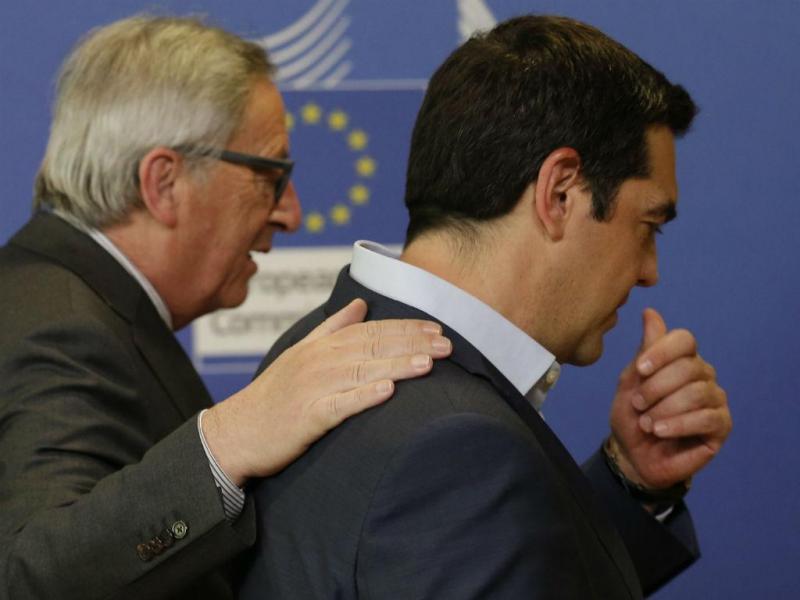 Jean-Claude Juncker e Alexis Tsipras [Foto: EPA]