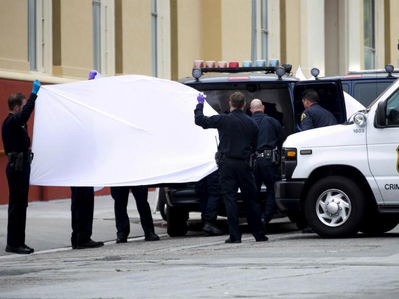 Seis estudantes morrem em colapso de varanda (Reuters/Elijah Nouvelage)