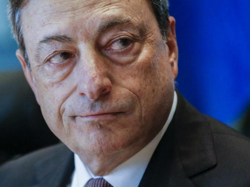 Mario Draghi no Parlamento Europeu (EPA/OLIVIER HOSLET)